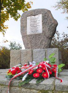 19-pomnik-ostoi
